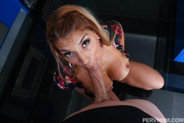 pervmom_mercedes_carrera_sucks cock