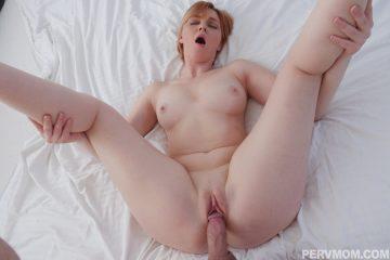 Naked MILF Marie Mccray fucked hard