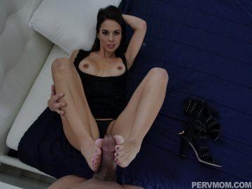 pervmom_eva_long